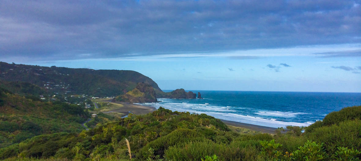New Zealand Road trip, Piha Beach